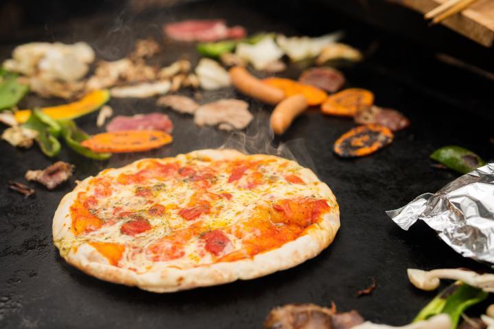 ピザを持ち込んで焼くこともできます